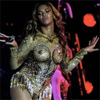 Beyonce intr-o tinuta indecenta la concertul din Belgrad
