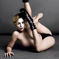 Poze topless si obscene cu Lady Gaga (NSFW)