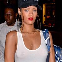 Rihanna data afara dupa ce s-a pozat intr-o moschee din Abu Dhabi
