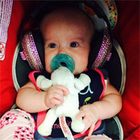 Fetita cantaretei Kelly Clarkson in varsta de 4 luni i-a atras atentia divei Lady Gaga