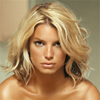 Jessica Simpson a slabit incredibil de mult