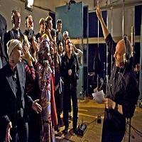 Band Aid 30 - Do They Know It's Christmas? - piesa cantata de artisti celebri in scop caritabil pentru a-i ajuta pe cei afectati de Ebola