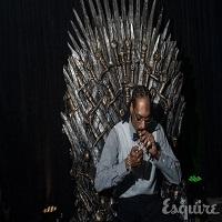 Dezmat si opulenta - Snoop Dogg a fumat un blunt pe tronul din Game of Thrones