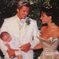 David Beckham si-a facut un nou tatuaj in cinstea nuntii sale cu Victoria