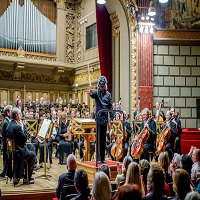 Stiri din Muzica - Dirijorul Horia Andreescu a dirijat costumat in Darth Vader, pe scena Ateneului Roman