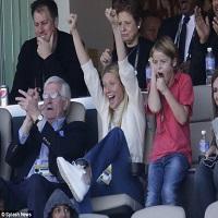 Stiri din Muzica - Gwyneth Paltrow, fosta sotie a lui Chris Martin, este atat de draguta incat are grija de fetita lui Beyonce