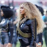 Stiri din Muzica - Imagini incredibile cu Beyonce si Blue Ivy din backstage-ul showului Super Bowl