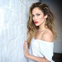 Stiri din Muzica - Jennifer Lopez foloseste aplicatia dubsmash fara machiaj si arata excelent