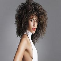Stiri din Muzica - Alicia Keys a aparut pe covorul rosu de la BET Awards fara machiaj si a aratat superb