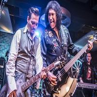Stiri din Muzica - Johnny Depp a ajuns in Romania alaturi de trupa The Hollywood Vampires