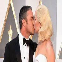 Stiri din Muzica - Lady Gaga si Taylor Kinney s-au despartit dupa o relatie de 5 ani