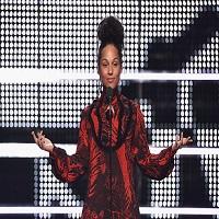 Alicia Keys nu a purtat deloc machiaj in cadrul MTV VMAs