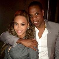 Stiri din Muzica - Cum a impins Jay Z un fan insistent care tot incerca sa faca selfie-uri cu Beyoncé