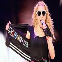 Madonna a facut 58 de ani si si-a sarbatorit ziua dansand pe mese in Cuba