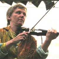 Sambata sonora: violonista Mia Zabelka live in Control