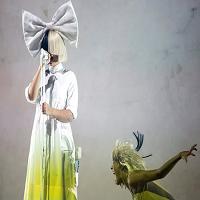 Sia a fost data in judecata de fani