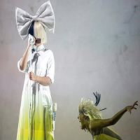 Stiri din Muzica - Sia a fost data in judecata de fani