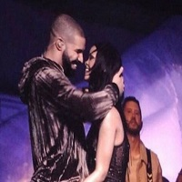 Stiri din Muzica - Ce legatura este intre noul tatuaj al Rihannei si Drake