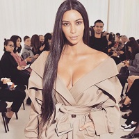 "Stiri din Muzica - Kim Kardashian a ""rupt tacerea"" in online - ce a postat bruneta la o luna dupa ce a fost atacata la Paris"