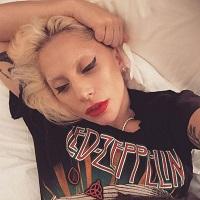Stiri din Muzica - Lady Gaga si alti artisti il apara pe Kanye West - ce au avut de spus vedetele despre starea lui