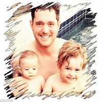 Stiri din Muzica - Noah, fiul de 3 ani a lui Michael Bublé, a fost diagnosticat cu cancer la ficat