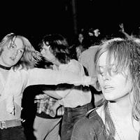 Stiri din Muzica - 1970: Atomic Sunrise- Fotografii facute publice de la concertul David Bowie