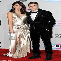 Stiri din Muzica - Ce crede Justin Bieber despre relatia dintre fosta sa, Selena Gomez si  The Weeknd