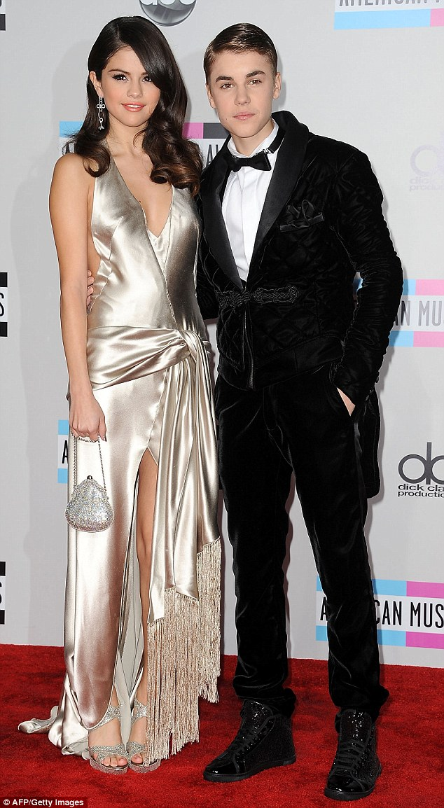 3C0DEB3300000578-4111588-Her_ex_Selena_dated_Justin_Bieber_22_on_and_off_from_2011_to_201-a-11_1484192755911.jpg
