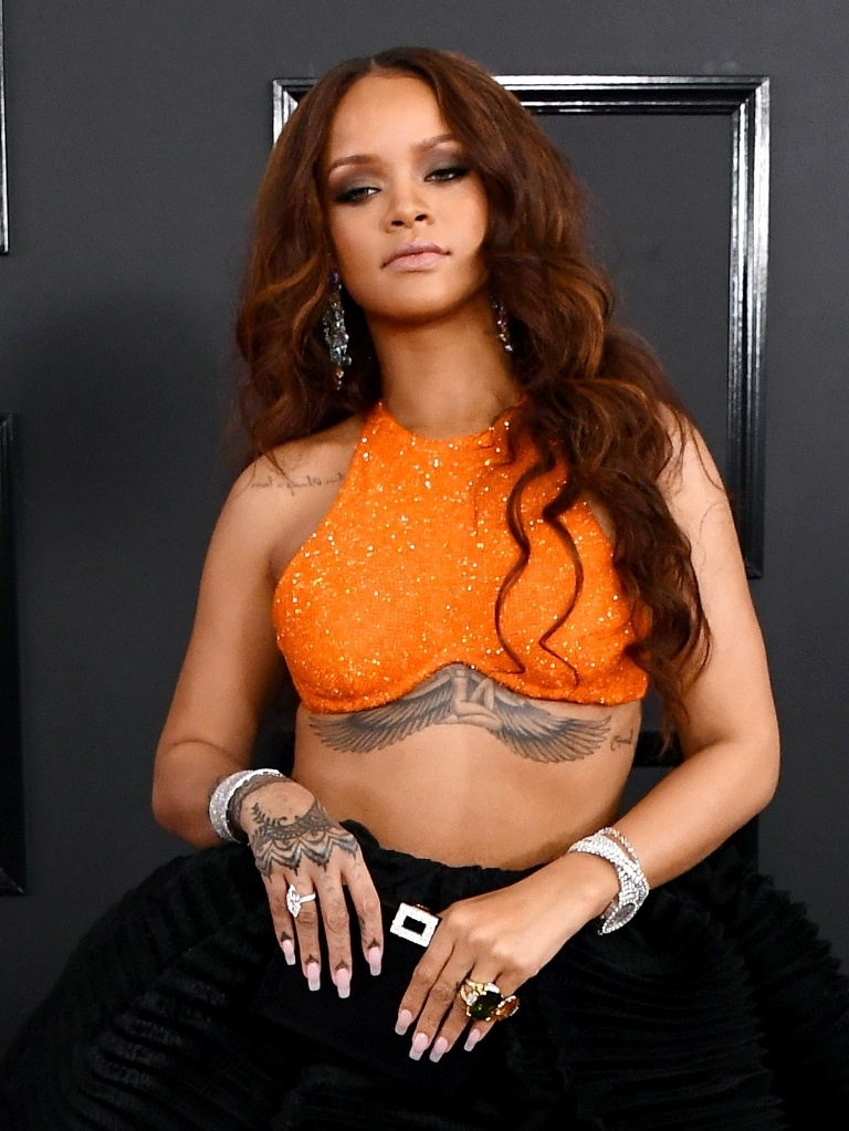 rihanna-wings-tattoo-1490103795.jpg