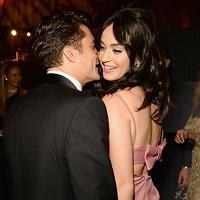 Stiri din Muzica - Katy Perry si-a schimbat complet look-ul dupa despartirea de Orlando Bloom