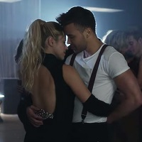 "Shakira si-a lansat clip la piesa ""Deja Vu"", iar miscarile ei de bachata sunt super HOT"