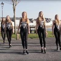 """Un grup de tinere din Galway danseaza irlandez pe melodia """"Shape of You"""" a lui Ed Sheeran, iar rezultatul este mi-nu-nat"""