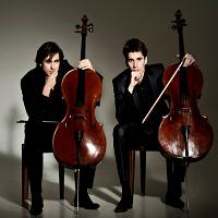 Stiri Evenimente Muzicale - Nebunii muzicieni de la 2Cellos vin pentru prima oara in Romania