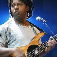 Stiri Evenimente Muzicale - The Victor Wooten Band feat. Dennis Chambers & Bob Franceschini la Jazz Night Out