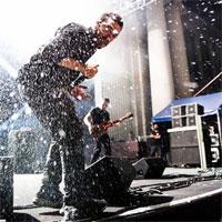 Stiri Evenimente Muzicale - Vita de Vie lanseaza album nou + bonus: cadouri in exclusivitate pentru fani