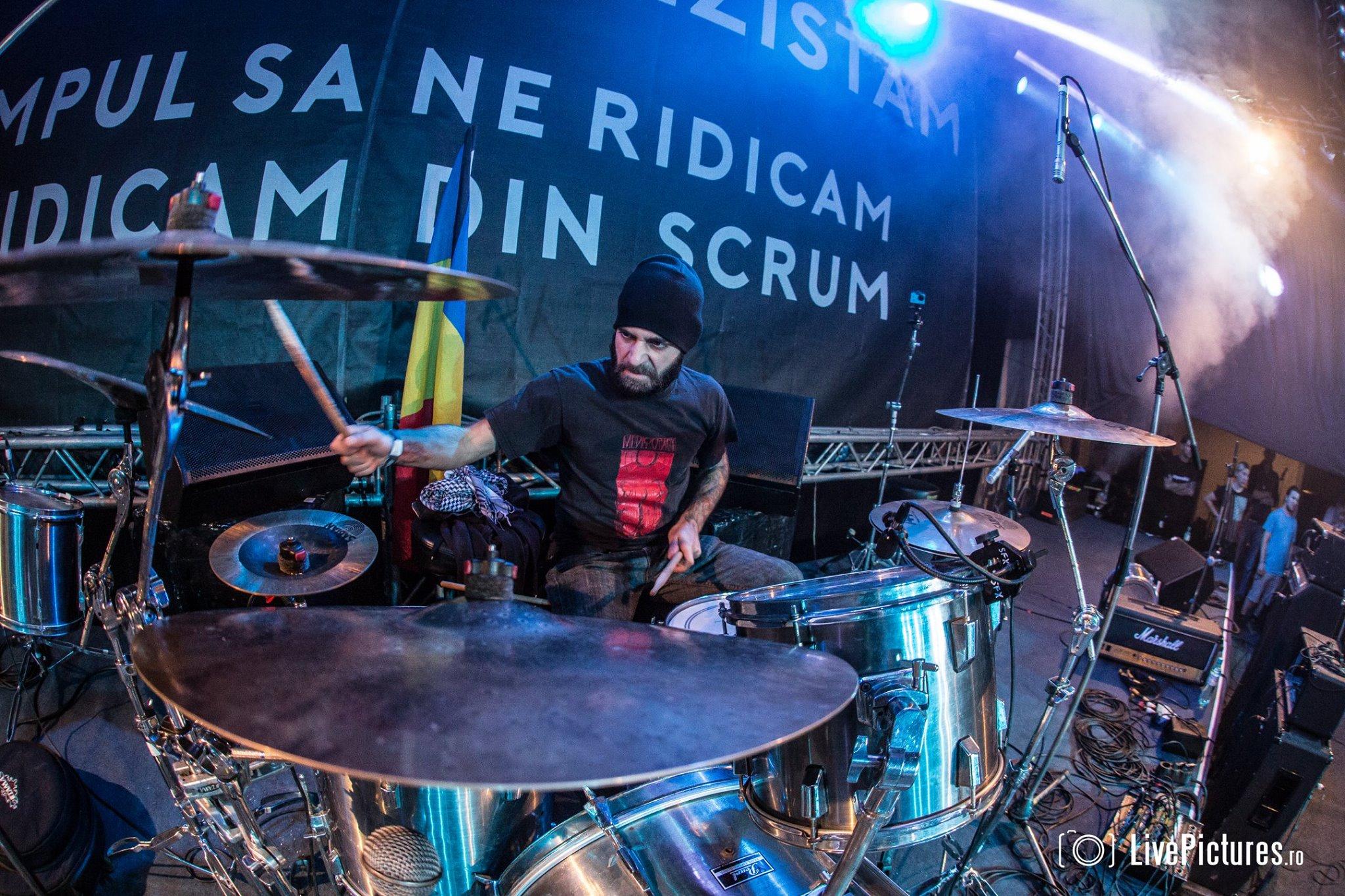 drumstage.jpg